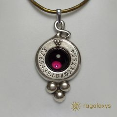sundial-pendant-dionysos-
