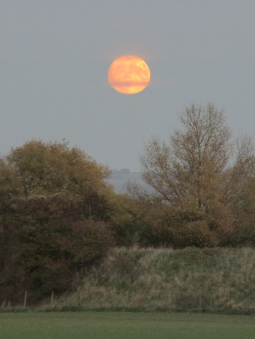 Moon with compact camera